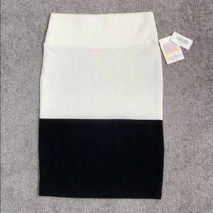 LuLaRoe Skirts - LuLaRoe black and white Cassie skirt size S NWT
